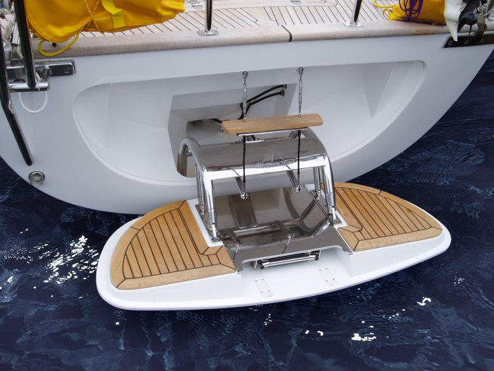 Hydraulic Bathing Platform on Classic Line Yachts
